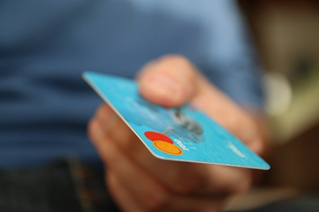 無料クレジットカードを活用する